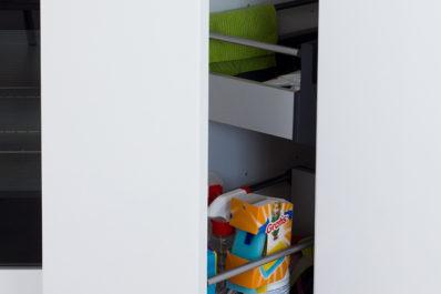 Keittiönkaapin sisälaatikko A43
